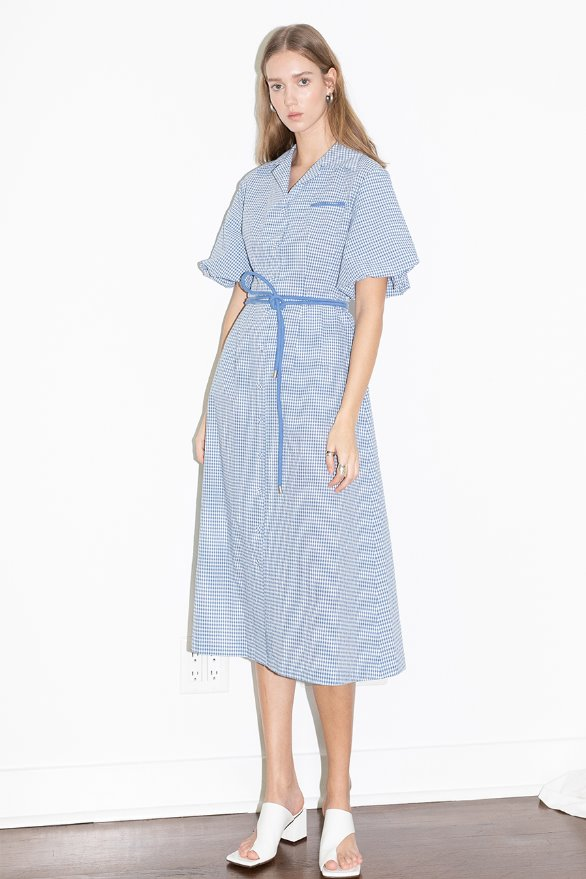 LOS FELIZ notched collar balloon short sleeve shirt dress (Cornflower blue gingham check)