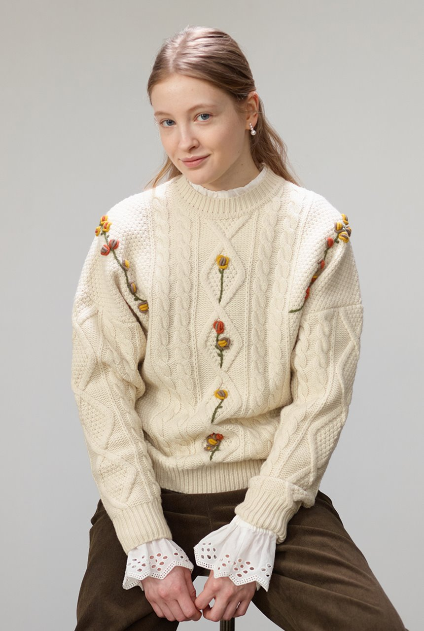 [앤유X노필터TV]CAMELLIA cable flower sweater (Cream)