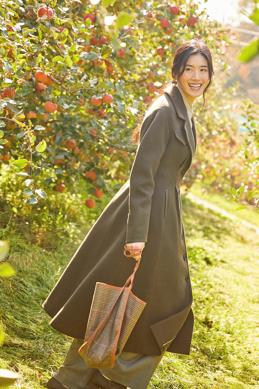 EULJIRO Voluminous sleeve coat (Dark olive)
